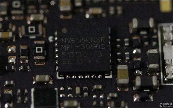 采用mirco SIM卡槽 #p#金立E6 mini拆解评测:总结#e# 金立E6 mini拆解评测:总结   通过上面的金立E6 mini拆解评测可以看出,在拆解的过程中我们遇到了很多的问题。因为是一体机身设计,拆解的时候必须从屏幕开始,而且手机内部用胶很多,这都给拆解带来了很大的难度,所以维修起来也比较困难。不过,手机的内部做工精湛很是值得敬佩。大家看看就好了,小编不建议用户自行拆解。